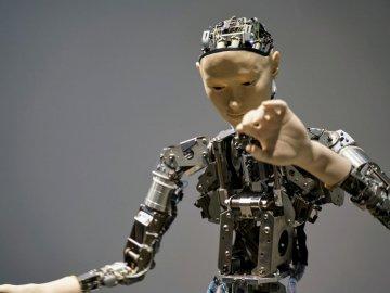 robot-4757878_1920